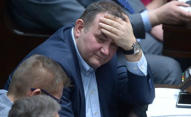 Sejm zgodził się na tymczasowe aresztowania posła Platformy Obywatelskiej Stanisława Gawłowskiego. Wcześniej poseł sam zrzekł się immunitetu, a w poniedziałek sejmowa komisja regulaminowa uznała, że jego oświadczenie w tej sprawie jest formalnie poprawne.