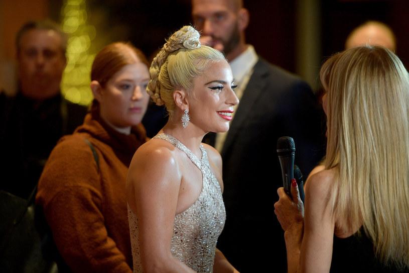 """Dwa Złote Globy może zdobyć Lady Gaga, która została nominowana w kategorii najlepsza aktorka w dramacie i za najlepszą piosenkę. Nominacje zdobyli także m.in. Rami Malek i filmowa biografia Queen - """"Bohemian Rhapsody""""."""