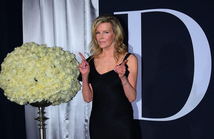 Była dziewczyną Batmana i Jamesa Bonda. Spędziła namiętne dziewięć i pół tygodnia z Mickey'em Rourkiem, a jako kosmitka okazała się nie najgorszą macochą. Do dziś pozostaje jedyną zdobywczynią Oscara, która rozebrała się w sesji dla Playboya. 8 grudnia Kim Basinger obchodzi 65. urodziny.