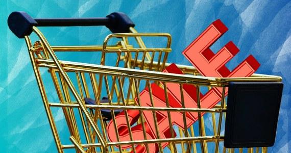 W które grudniowe niedziele sklepy będą zamknięte? 9 grudnia obowiązywał będzie zakaz handlu. W kolejne trzy niedziele grudnia (16,23,30 grudnia) będziemy mogli robić zakupy.