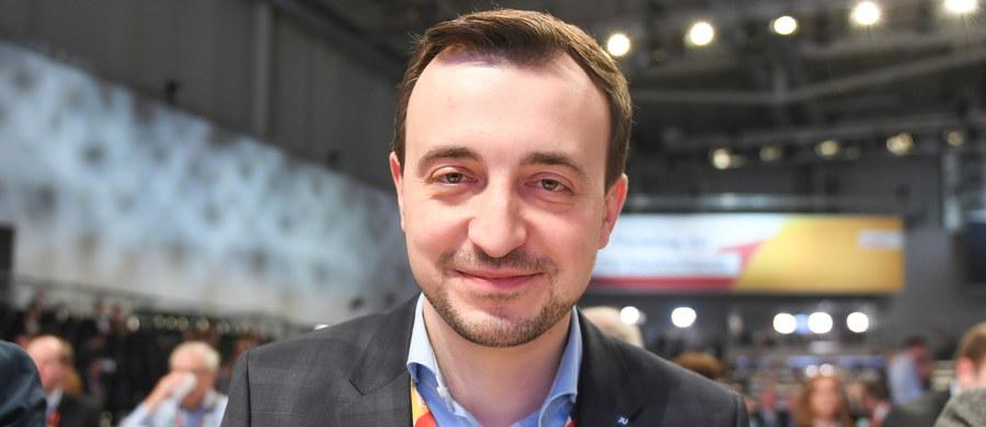 Paul Ziemiak, dotychczasowy szef Junge Union (JU) - młodzieżowej organizacji CDU - zostanie nowym sekretarzem generalnym tej partii - poinformowała nowa przywódczyni CDU Annegret Kramp-Karrenbauer.