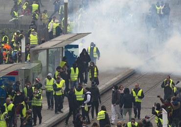 """Protesty """"żółtych kamizelek"""". Władze Francji zarządziły weryfikację kont na Twitterze"""
