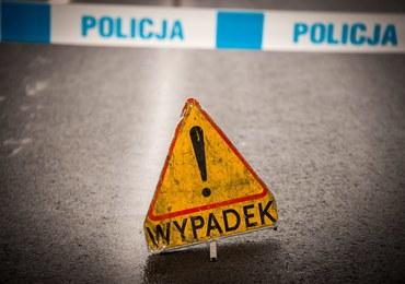 Wypadek w Lubuskiem: Czołowe zderzenie citroena z autobusem szkolnym