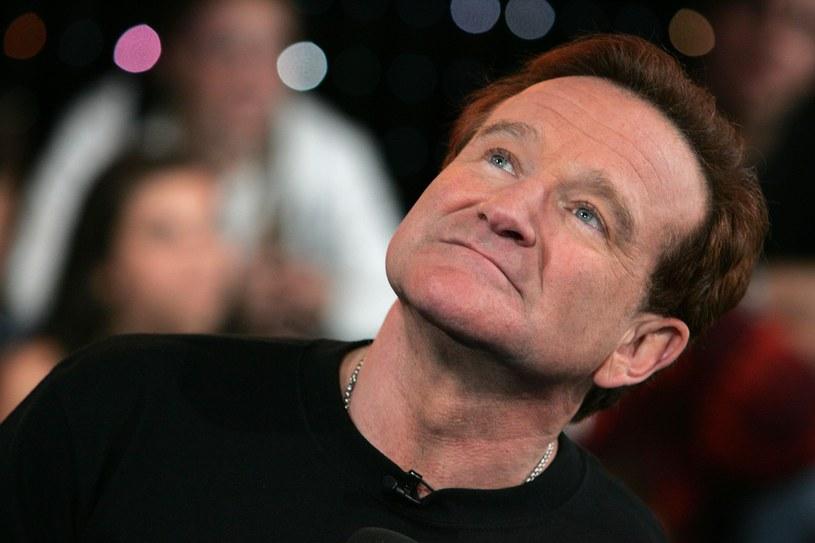 """Niedawno ukazała się biografia hollywoodzkiego aktora Robina Williams, pióra reportera """"New York Timesa"""", Dave'a Itzkoffa. Książka """"Robin"""" to """"poruszająca biografia pokazująca człowieka, skrywającego się za maską klauna i dowcipnisia""""."""