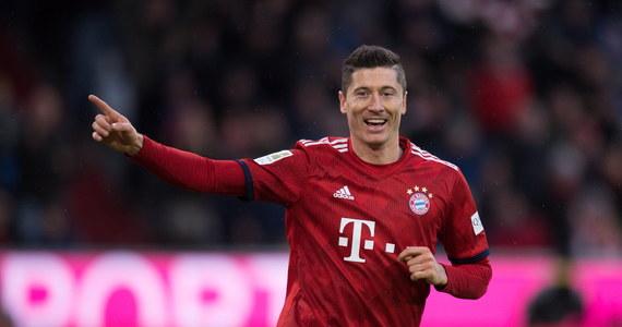 """Robert Lewandowski z Bayernu Monachium po raz pierwszy w tym sezonie został uznany przez magazyn """"Kicker"""" za najlepszego piłkarza kolejki niemieckiej ekstraklasy. Jednocześnie po raz trzeci znalazł się w jedenastce kolejki."""