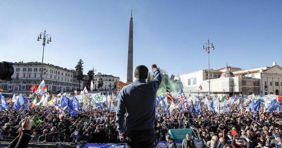 Wiceprzewodniczący Komisji Europejskiej Valdis Dombrovskis ostrzegł w poniedziałek w PE w Strasburgu włoski rząd, wskazując, że pozostało mu niewiele czasu, aby zmienić projekt budżetu na 2019 rok i uniknąć unijnego postępowania dyscyplinarnego.