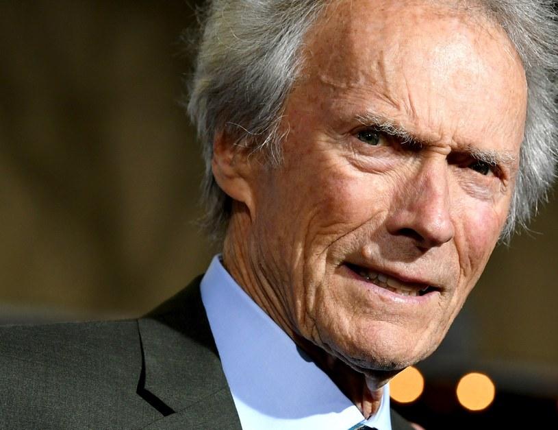 """W Los Angeles odbyła się uroczysta premiera """"Przemytnika"""" Clinta Eastwooda. 88-letni twórca nie tylko ten film wyreżyserował, ale też - ku radości fanów - zagrał w nim główną rolę, wracając do aktorstwa po kilku latach przerwy."""