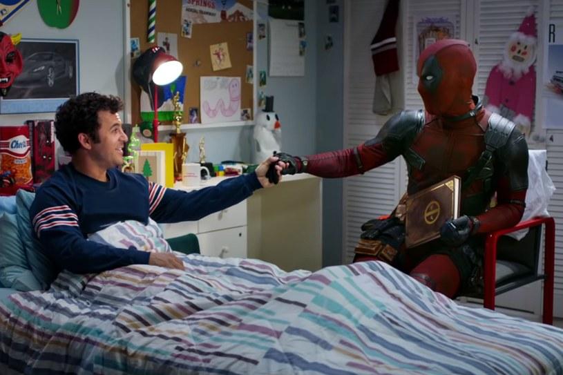 """12 grudnia do kin trafi """"ugrzeczniona"""" wersja filmu """"Deadpool 2"""" pod tytułem """"Był sobie Deadpool"""". Będzie ona przeznaczona dla młodszych widzów, a wulgarne dowcipy i brutalność zostanie zastąpiona nowym materiałem."""