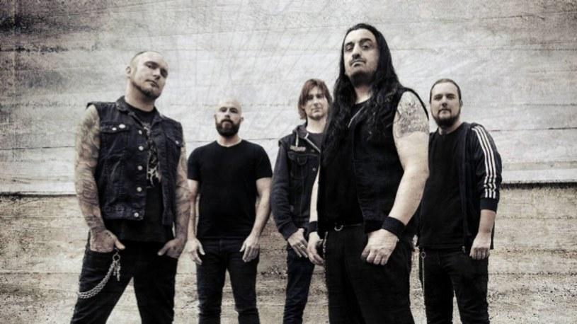 """Singlem """"By Darkness Drawn"""" grecko-szwedzki kwintet Nightrage zapowiada ósmy album."""