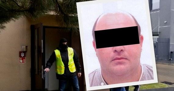 Już ponad miesiąc polscy prokuratorzy czekają na ekstradycję z Ukrainy 38-letniego Gruzina, podejrzanego o zabójstwo na tle seksualnym 28-letniej łodzianki. Mamuka Ch. został zatrzymany za wschodnią granicą po ucieczce z Polski.