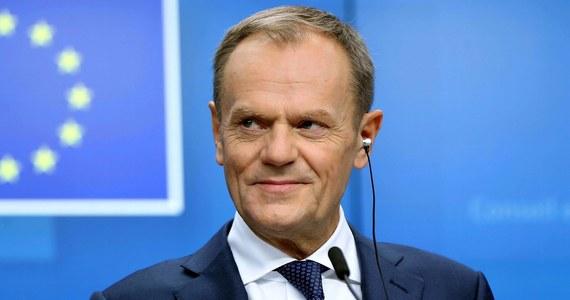 27 krajów UE chce pomóc Wielkiej Brytanii - zapewnił szef Rady Europejskiej Donald Tusk po rozmowie z premier tego kraju Theresą May, która objeżdża stolice europejskie, szukając możliwości zwiększenia szans na przeforsowanie umowy ws. Brexitu.