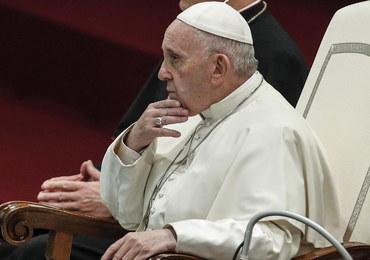Papież przez pedofilię dymisjonuje swoich bliskich doradców
