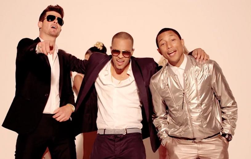 """Robin Thicke i Pharrell Williams muszą zapłacić rodzinie Marvina Gaye'a pięć milionów dolarów. To ostateczny werdykt w ciągnącej się kilka lat sprawie dotyczącej splagiatowania piosenki """"Got To Give It Up""""."""