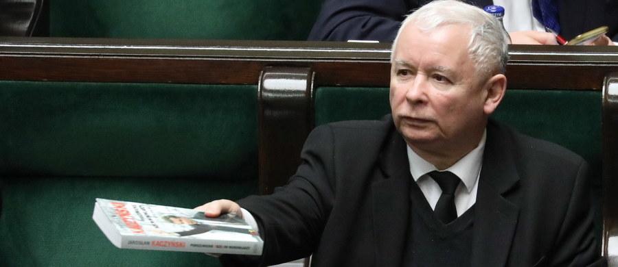 Stawka wyborów do PE, Sejmu i prezydenckich będzie niezwykle wysoka; obrońcy starego porządku zrobią wszystko, by nam przeszkodzić w osiągnięciu sukcesu w wyborach parlamentarnych, który pozwoli nam na dalsze samodzielne rządy i kontynuowanie reform - napisał prezes PiS Jarosław Kaczyński do działaczy partii.