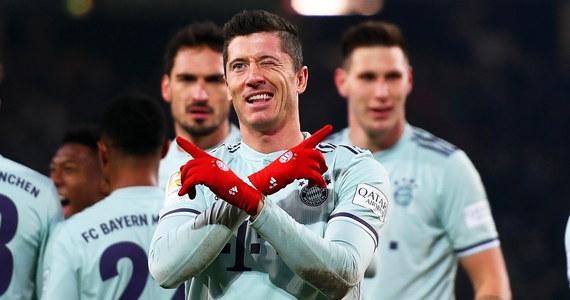 Robert Lewandowski zdobył bramkę, a jego Bayern Monachium pokonał na wyjeździe Hannover 4:0 w 15. kolejce niemieckiej ekstraklasy. Polski piłkarz ma już 10 ligowych trafień w tym sezonie i prowadzi w klasyfikacji strzelców ex aequo z dwoma innymi zawodnikami.