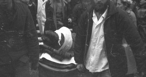 37 lat temu, 16 grudnia 1981 roku, w czasie pacyfikacji strajku w Kopalni Węgla Kamiennego Wujek w Katowicach milicja użyła broni palnej. Zginęło dziewięciu górników. Ich śmierć była największą tragedią stanu wojennego.