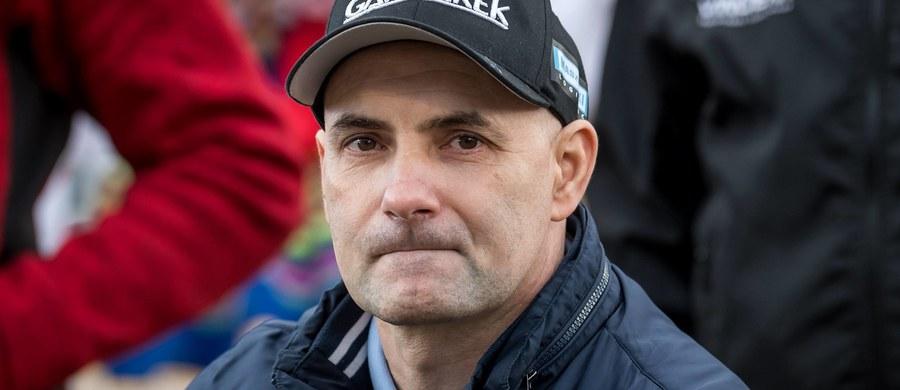 Jest szansa na operację w Szwajcarii. Chciałbym spróbować, taka możliwość jest raz życiu - powiedział były żużlowiec Tomasz Gollob, który walczy o to, żeby znów chodzić po wypadku na motocyklu. Gwiazdy sportu wsparły go podczas piłkarskiego turnieju charytatywnego w Bydgoszczy.