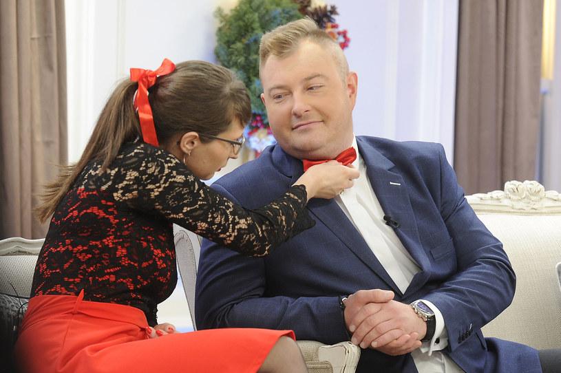 """Agata i Łukasz to jedna z najgorętszych par ostatniej odsłony programu """"Rolnik szuka żony"""". Wybranka rolnika zamieściła w niedzielę, 16 grudnia, na swym Instagramie intrygujący wpis. Czyżby para spodziewała się potomka?"""