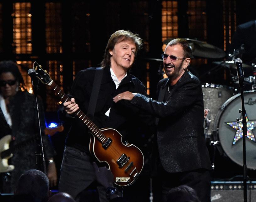 """Podczas ostatnich koncertów Paula McCartneya w Londynie na scenie pojawił się dawny perkusista The Beatles Ringo Starr oraz gitarzysta The Rolling Stones Ronnie Wood. Muzycy wykonali wspólnie przebój """"Get Back""""."""