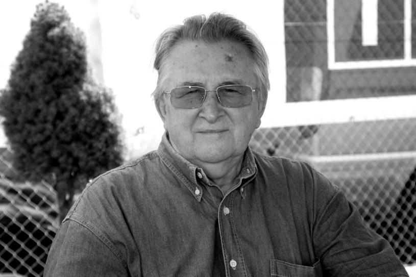 """We wtorek 18. grudnia po długiej chorobie zmarł wybitny reżyser Kazimierz Kutz. Miał 89 lat. Twórcę """"Soli ziemi czarnej"""" i """"Pułkownika Kwiatkowskiego"""" wspominają i żegnają ludzie kultury i polityki."""