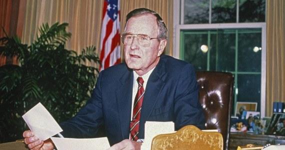 Były prezydent USA George Bush senior w tajemnicy przez 10 lat wspierał edukację chłopca z Filipin. Teraz ujawniono listy, które Bush wysyłał do Timothy'ego pod pseudonimem.