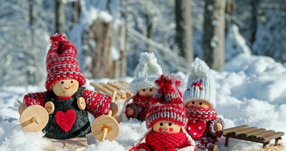 W środę będzie mroźnie na wschodnich i północnych krańcach Polski. W niektórych województwach ze względu na sytuację pogodową mogą wystąpić utrudnienia na drogach. Piątek przyniesie ocieplenie.