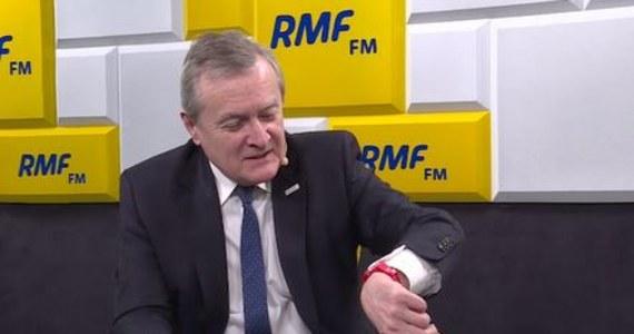 Luksusowe zegarki uwielbiał Sławomir Nowak. Były minister transportu za niewpisanie jednego z nich do oświadczenia majątkowego dostał nawet prokuratorskie zarzuty i został skazany przez sąd na grzywnę. Z pewnością nie grozi to wicepremierowi Piotrowi Glińskiemu, na zegarek którego zwrócił uwagę Robert Mazurek podczas internetowej części Porannej Rozmowy w RMF FM.