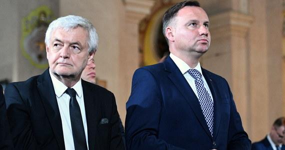 Prezydent Andrzej Duda odwołał z dniem 31 stycznia Jana Piekłę ze stanowiska ambasadora Polski na Ukrainie - wynika z postanowienia opublikowanego w środę w Monitorze Polskim. W tym samym terminie odwołany ze stanowiska ambasadora w Koreańskiej Republice Ludowo-Demokratycznej został Krzysztof Ciebień.