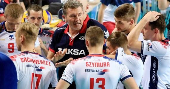 Siatkarze Zaksy Kędzierzyn-Koźle przegrali we Włoszech z Azimutem Leo Shoes Modena 1:3 (23:25, 21:25, 25:22, 24:26) w meczu 2. kolejki grupy B Ligi Mistrzów. To pierwsza porażka wicemistrzów Polski w całym sezonie.