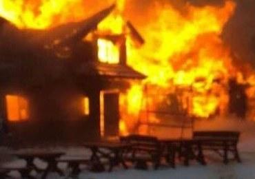 """Pożar starego schroniska na Hali Miziowej. """"Ekstremalnie trudna akcja"""""""