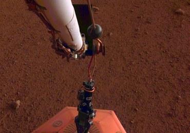 Sonda InSight postawiła już na Marsie sejsmometr