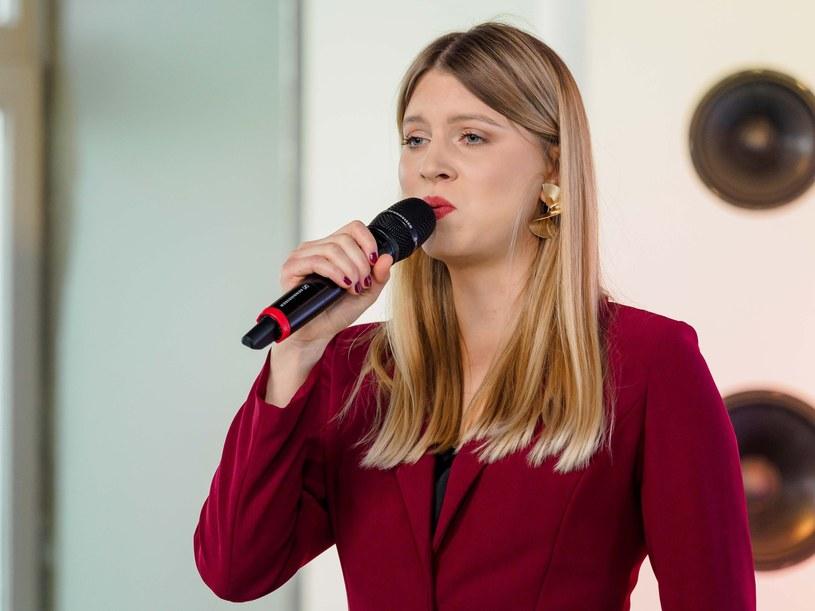 """W studiu """"Dzień dobry TVN"""" swoją autorską piosenkę """"Maybe Today"""" zaprezentowała Klaudia Kulawik. Dzięki temu szersza publiczność mogła zobaczyć, jak obecnie wygląda 21-letnia wokalistka, o której Polska usłyszała dekadę wcześniej w pierwszej edycji """"Mam talent""""."""