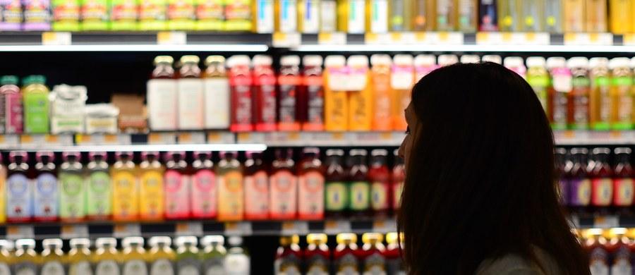 W poniedziałek 24 grudnia większość sklepów będzie otwarta do godz. 14. W późniejszych godzinach zakupy będzie można zrobić m.in. na stacjach benzynowych oraz w sklepach prowadzonych przez właściciela.