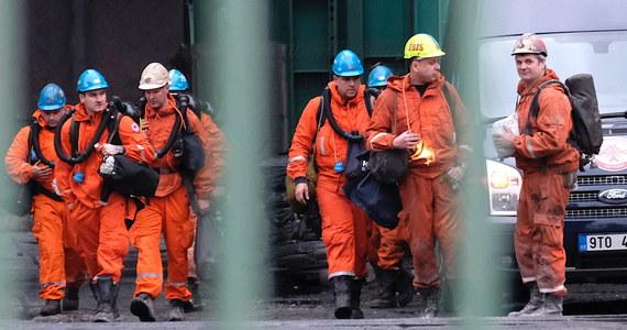 Stan dwóch polskich górników, którzy odnieśli obrażenia w czwartkowym wybuchu metanu w kopalni w Czechach, nie zmienił się od wczoraj - podała rzeczniczka szpitala. Jeden z górników jest w stanie krytycznym, drugi, lżej ranny, jest w stanie stabilnym.