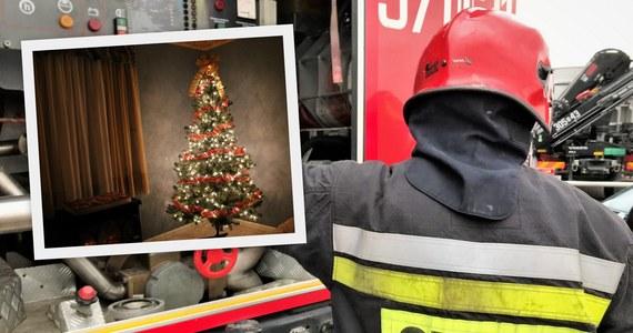 Aż trzy tysiące razy interweniowali strażacy w ciągu przedświątecznego weekendu i w Wigilię, w tym 797 razy wyjeżdżali do gaszenia ognia. Jak poinformował rzecznik prasowy PSP Paweł Frątczak, w pożarach zginęło w tym czasie 10 ludzi, kolejnych 45 odniosło obrażenia.