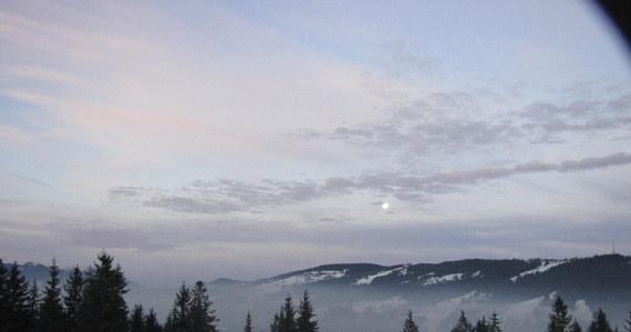 Poszukiwany od poniedziałku 23-letni turysta, który zabłądził w Tatrach odnalazł się po słowackiej stronie w Liptowskim Mikulaszu - poinformował  dyżurny ratownik TOPR.