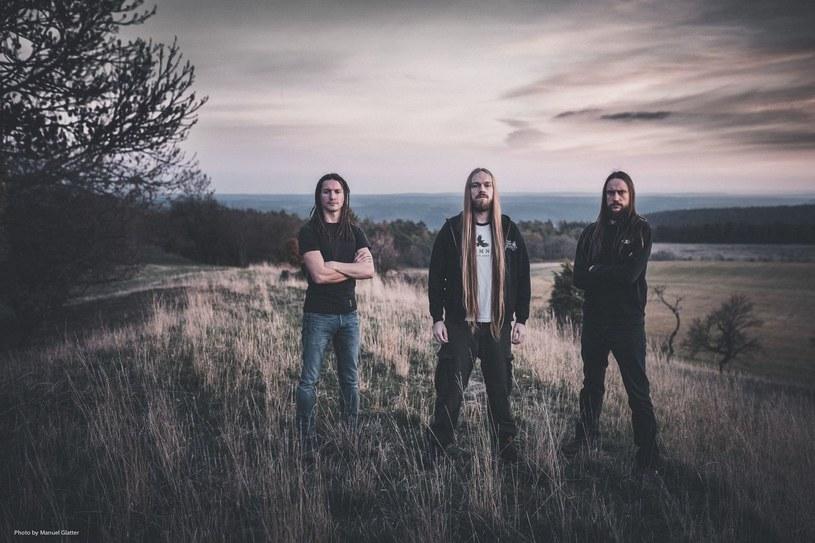 Deathmetalowe trio Deserted Fear z Niemiec przygotowało nowy materiał.