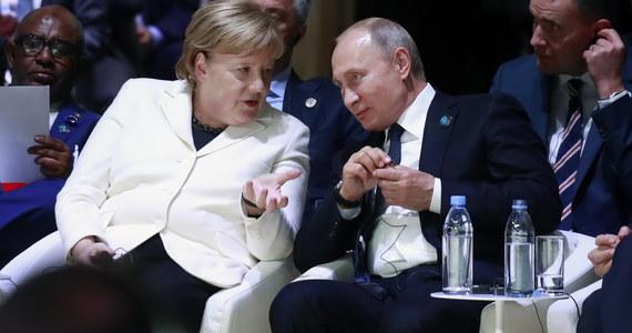 Konflikty w Syrii i na wschodzie Ukrainy były głównymi tematami telefonicznej rozmowy, którą w piątek wieczorem przeprowadzili kanclerz Niemiec Angela Merkel i prezydent Rosji Władimir Putin.