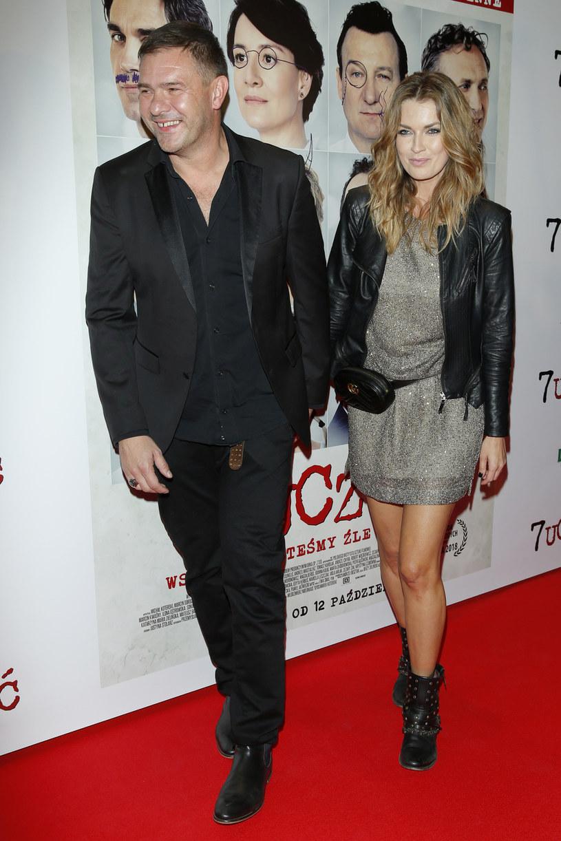 Raptem trzy miesiące potrwał związek aktora Tomasza Karolaka z Magdą Dziun Malicką, wokalistką i modelką mającą na koncie współpracę z Piotrem Banachem (byłym partnerem życiowym), Indios Bravos czy Pudelsami.