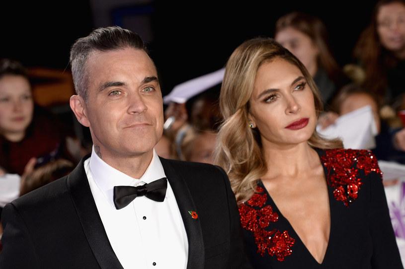 Na kilka dni przed nowym rokiem Robbie Williams przypomniał o sobie nowym nagraniem. Piosenka zapowiada jego nowy studyjny album, który ukaże się 14 lutego.