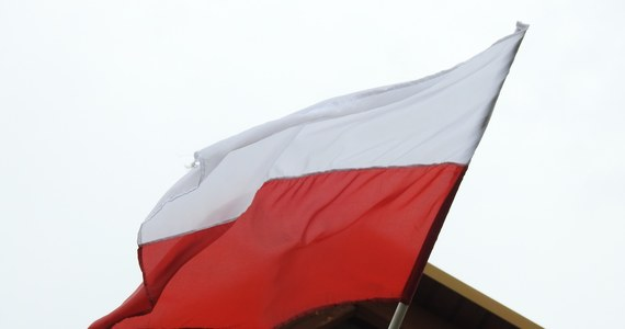 """Jak mawiał jeden z historyków: """"Polacy lubują się w upamiętnianiu nie zwycięstw, ale klęsk, zwłaszcza przegranych powstań"""". Szkoda więc, że pan prezydent RP i rząd nie podjęli się trudu przypomnienia o tym jak nasi pradziadowie, wspólnie z Litwinami i Kozakami, zdobywali Smoleńsk i Kreml."""