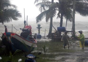 """Burza tropikalna na Tajlandii. """"Pabuk jest ogromny"""""""