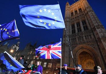 Większość torysów woli brexit bez umowy