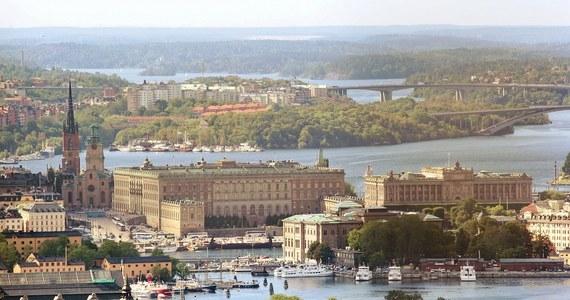 Przed sądem w Sztokholmie rozpoczął proces sześciu mężczyzn oskarżonych o finansowanie organizacji terrorystycznej Państwo Islamskie oraz o planowanie zamachu w stolicy Szwecji.