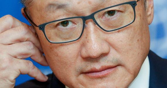 Bank Światowy potwierdził, że jego prezes Jim Yong Kim składa rezygnację na trzy lata przed upływem swej kadencji. Kristalina Georgiewa, dotychczasowa dyrektor wykonawcza Banku, będzie od 1 lutego pełnić obowiązki prezesa BŚ.