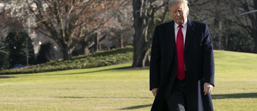 Prezydent Stanów Zjednoczonych spotka się w środę z zasiadającymi w Senacie republikanami. Donald Trump chce z nimi omówić kwestię częściowego zawieszenia rządu federalnego, które trwa od 18 dni. Tzw. shutdown jest efektem sporu o środki w budżecie na budowę muru na granicy amerykańsko-meksykańskiej.