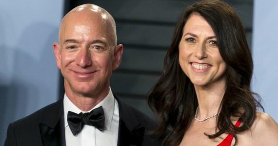 Prezes Amazona Jeff Bezos i jego żona MacKenzie Bezos rozwodzą się. Para postanowiła ostatecznie rozstać się po 25 latach małżeństwa.