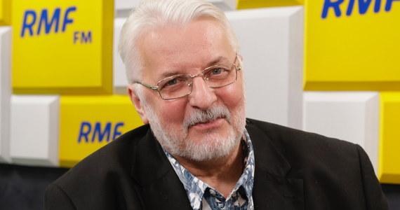 """Czy wczorajsze spotkanie Kaczyński-Salvini zaowocuje wspólnym ugrupowaniem w Parlamencie Europejskim? """"Nie można wykluczyć, że do tego dojdzie. Natomiast dzisiaj są to przedwczesne spekulacje"""" - mówił w Porannej rozmowie w RMF FM były szef MSZ Witold Waszczykowski. Zapytany o sympatię włoskiego wicepremiera do Władimira Putna, Waszczykowski odpowiedział, że """"mamy już całą rzeszę przyjaciół rosyjskich, którzy są naszymi przyjaciółmi. Na przykład pani Merkel"""". O Salvinim powiedział, że """"jest to frustrujące, kiedy tacy politycy obnoszą się z taką sympatią do imperialisty, który atakuje kolejny kraj - najpierw Gruzję, potem Ukrainę""""."""