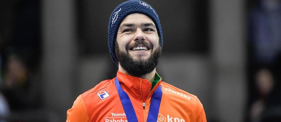 Medalista igrzysk w Soczi i Pjongczangu w short tracku Holender Sjinkie Knegt doznał poważnych poparzeń lewej nogi po wypadku przy domowym piecu. W ubiegłym miesiącu doznał urazu tej samej nogi w wypadku z udziałem wózka widłowego na podwórku przed domem.