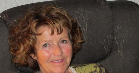 Norweska policja opublikowała kadry z filmu kamer przemysłowych z miejsca pracy miliardera Toma Hagena. Widać na nim trzy postaci. Policja prosi o pomoc w ich identyfikacji. Chce je przesłuchać jako świadków w sprawie uprowadzenia żony miliardera. Anne-Elisabeth Falkevik Hagen ponad 70 dni temu zniknęła ze swojego domu. Została uprowadzona. Porywacze zostawili list napisany łamanym norweskim, w którym zażądali okupu.